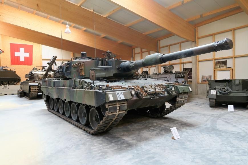 Pz 87, Leopard 2 A4, M+77109