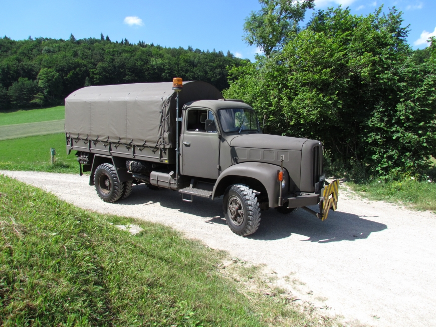 Saurer 2DM, Lastw 4,9 t gl 4x4 für Schneepflug